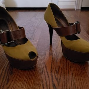 Desinger Marni satin peep toe platform pumps
